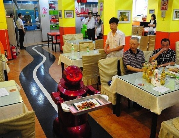 Robots working in Restaurants in China2