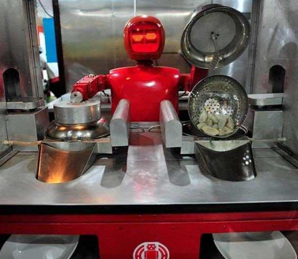 Robots working in Restaurants in China3