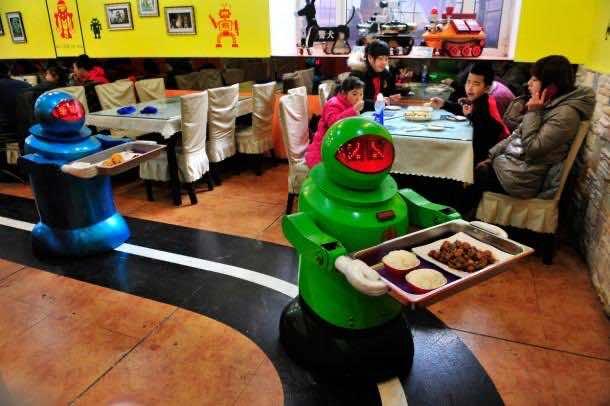 Robots working in Restaurants in China5