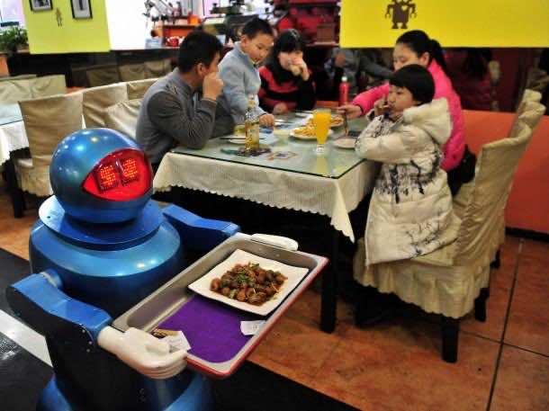 Robots working in Restaurants in China6