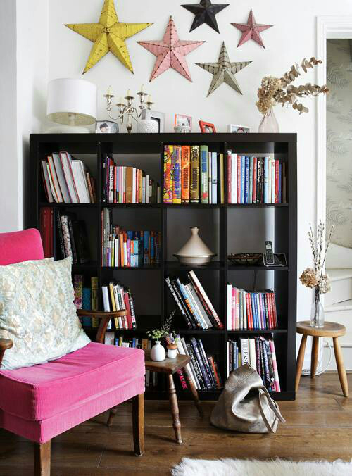 25 ideas of decorating wih books (10)
