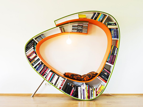 25 ideas of decorating wih books (12)