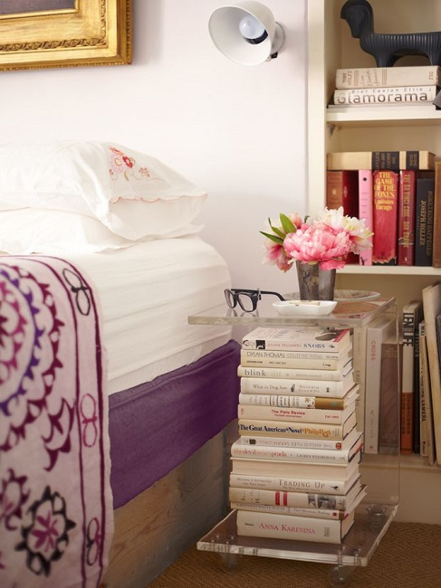 25 ideas of decorating wih books (14)