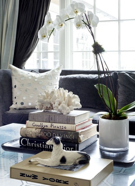25 ideas of decorating wih books (16)