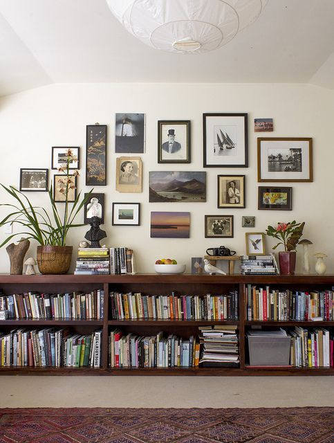 25 ideas of decorating wih books (17)