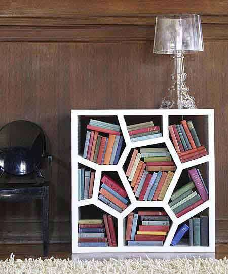 25 ideas of decorating wih books (18)
