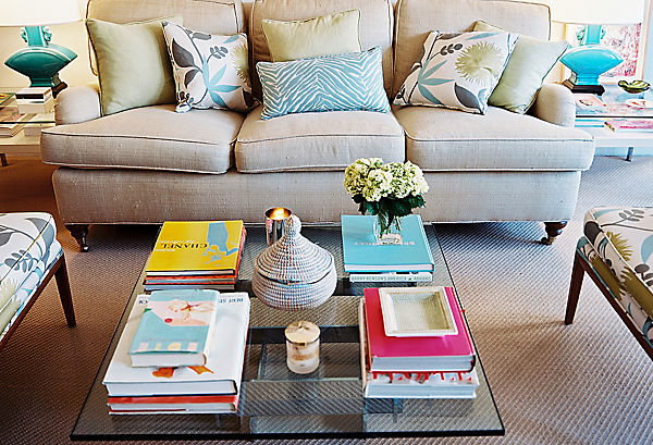 25 ideas of decorating wih books (22)
