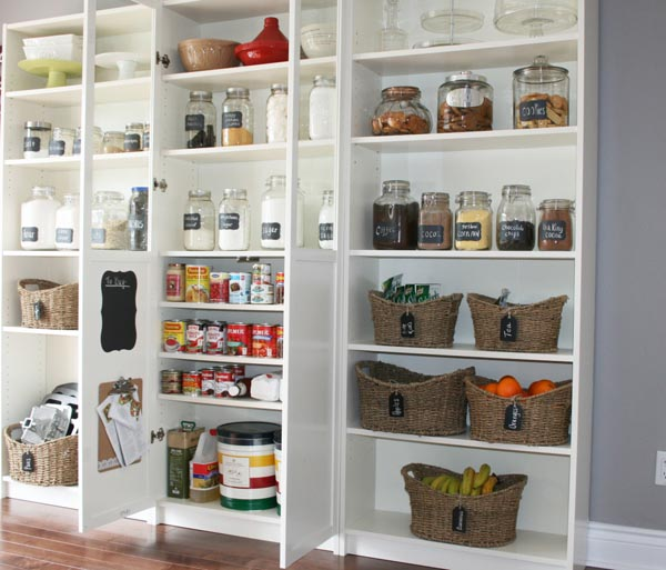 25 walk in pantry ideas (23)