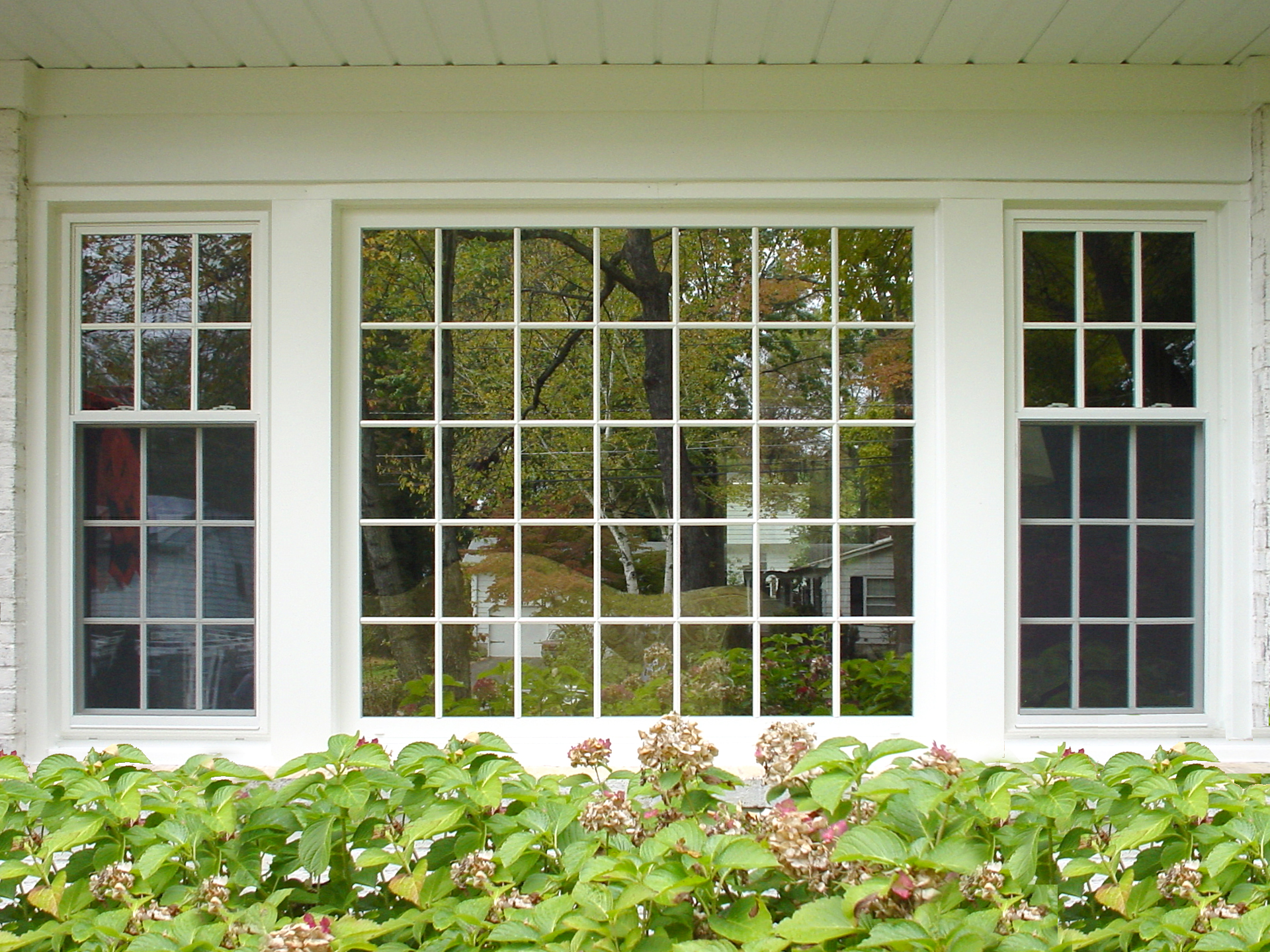 Exterior house windows house ideals for Exterior window design