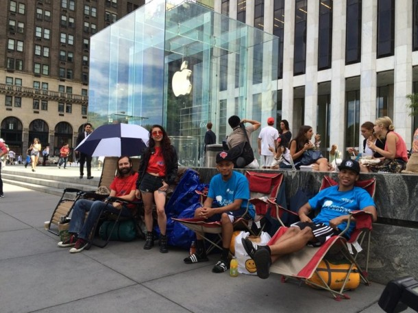 The Wait to Get Your Hands on iPhone 6 Plus2
