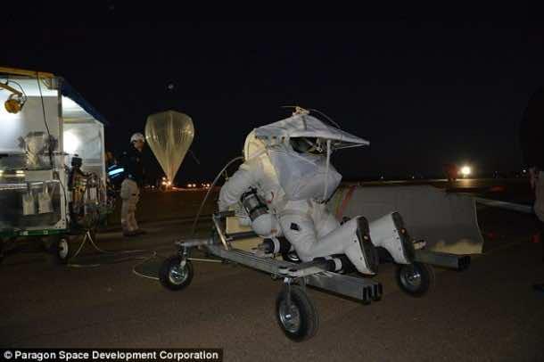 Google Senior Executive Breaks Felix Baumgartner's Record for Highest Parachute Jump4