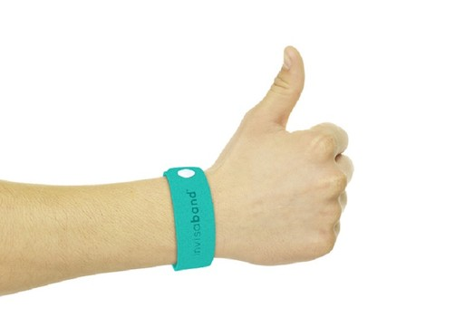 Invisaband – Repelling insects fashionably2