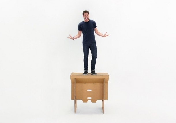 Refold's Cardboard Standing Desk3