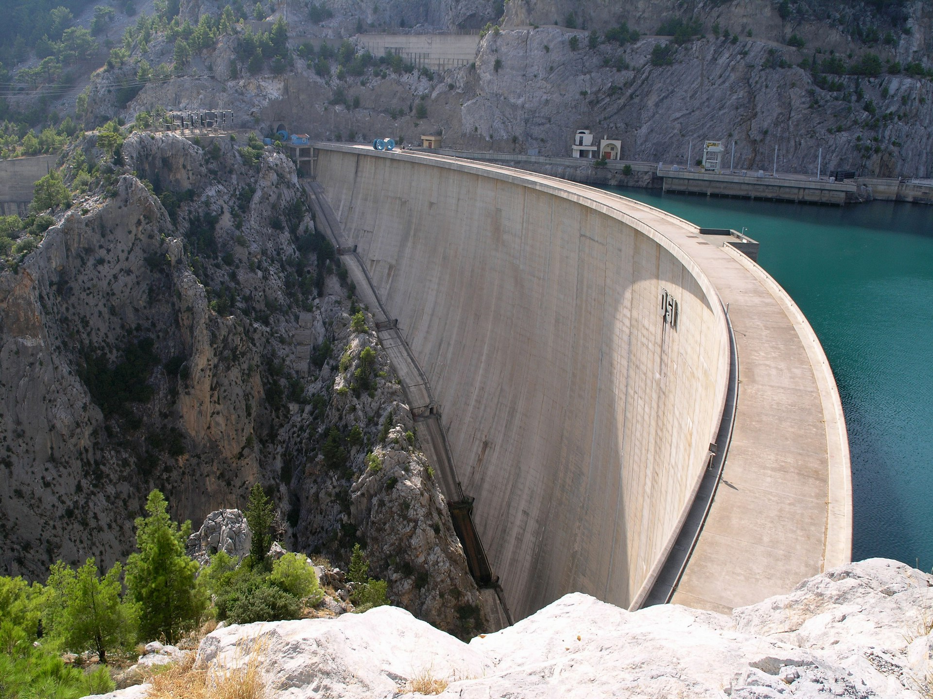66 Dam Pictures Which Are A Piece of Engineering Marvel