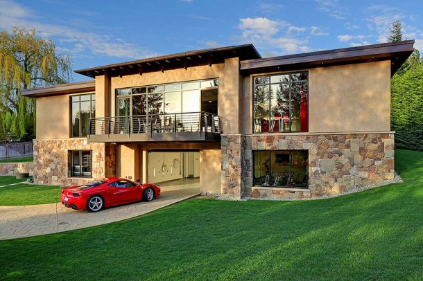 Car Collector Home in Washington worth $4 Million