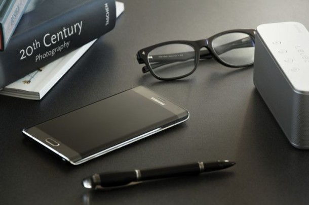 Galaxy Note Edge Debuts in US