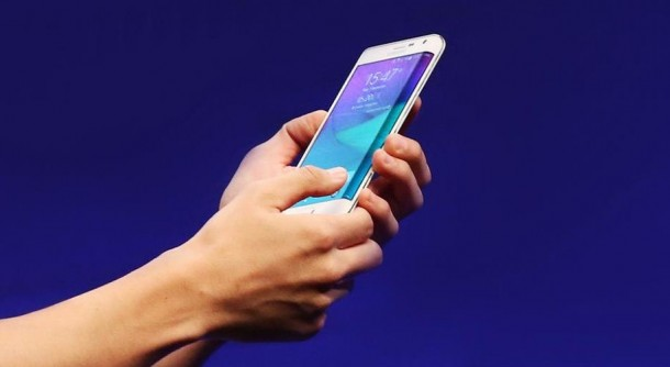 Galaxy Note Edge Debuts in US4
