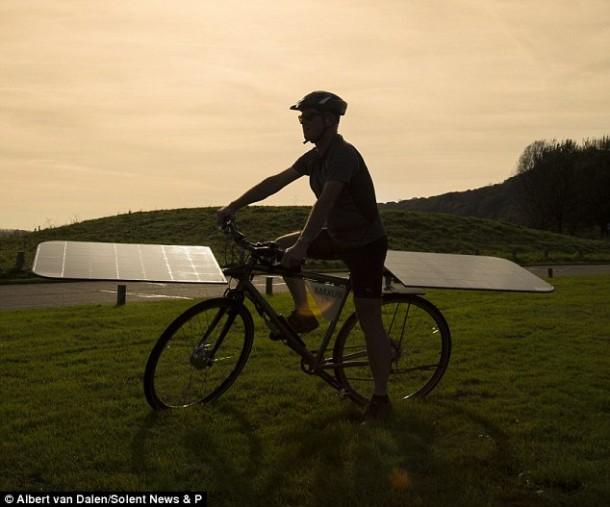 The Maxun One – Solar Powered Bike