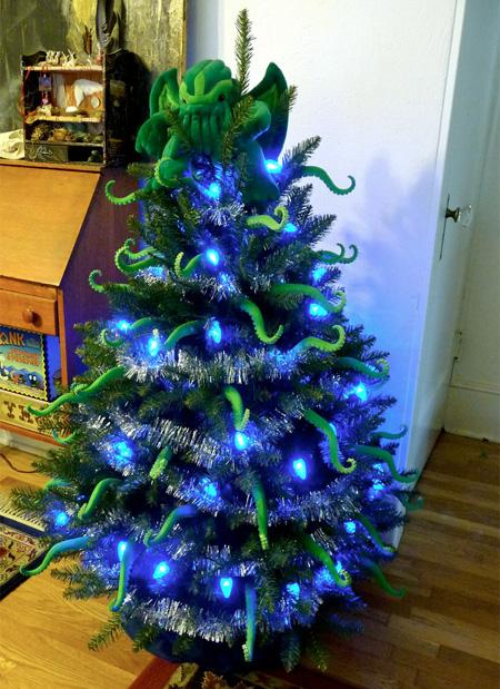 15 Amazing Christmas Trees Design 10