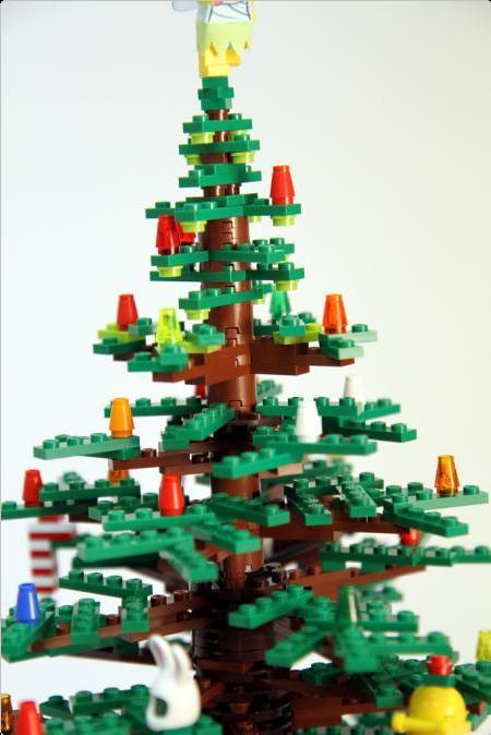 15 Amazing Christmas Trees Design 7