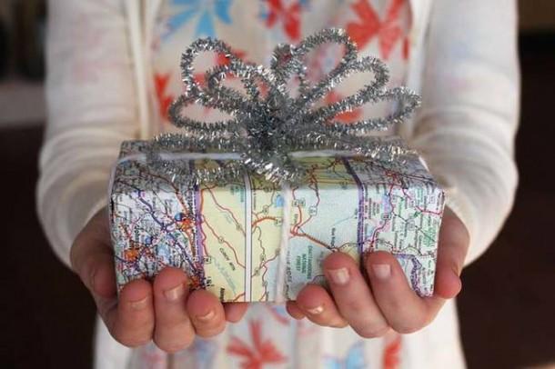 15 DIY Gift Wrap Ideas4