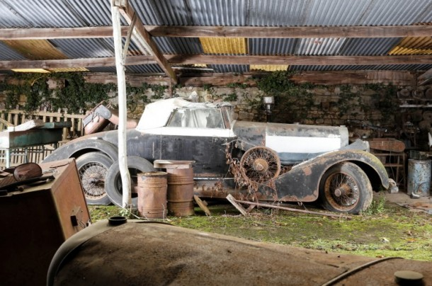 60 Rare Cars Found after 50 Years in a Barn in France 22