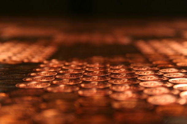 DIY Pennies Table – Amazing use of Pennies 19