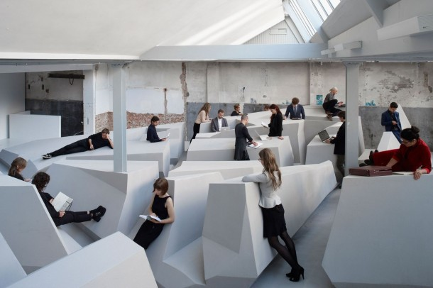 Office without Furniture – The End of Sitting