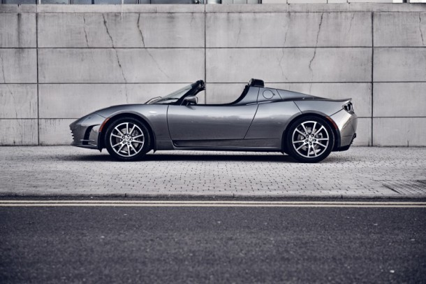 Tesla's Roadster 3.0 Capable of Running 400 Miles on a Single Charge2