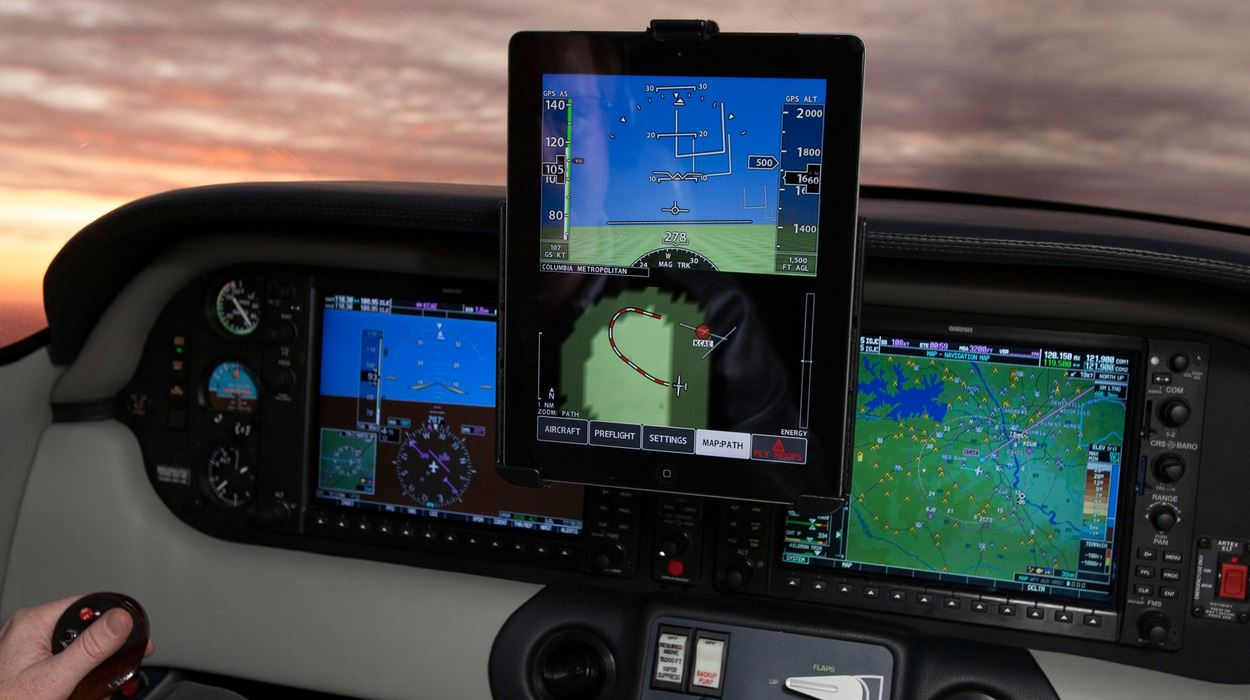 New iPad App Xavion Can Help You Land An Airplane Like A Professional Pilot
