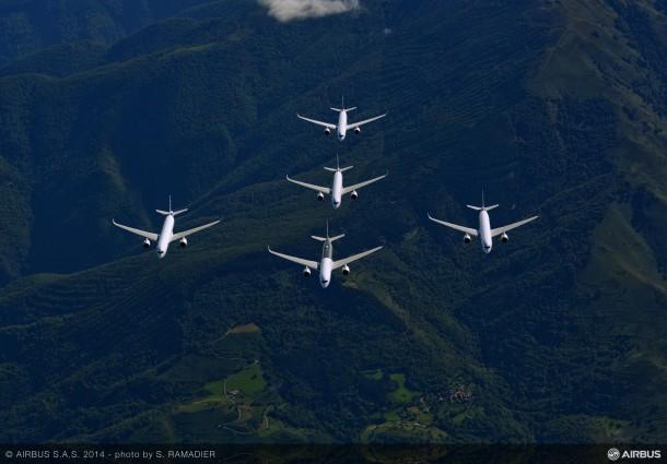 Airbus-A350XWB-Formation-Flight-01