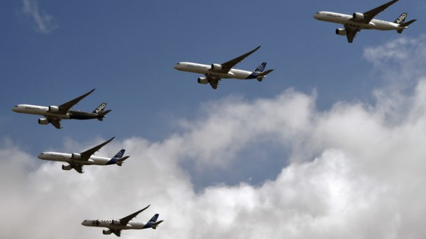 Airbus Formation Flying A350 XWB planes 4