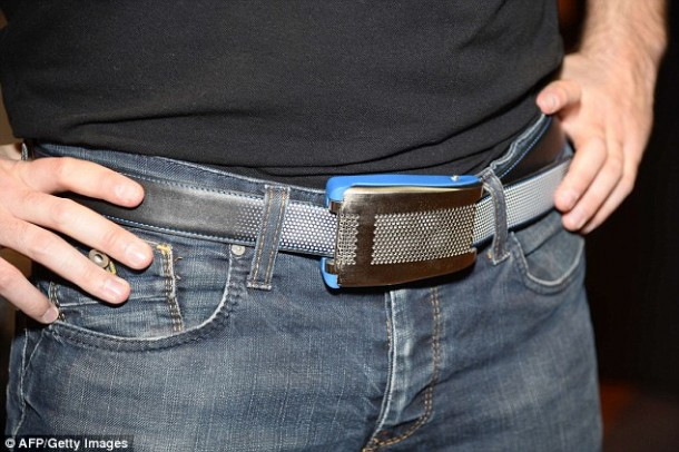 Belty – Smart Belt that Adjusts Itself to Keep Your Pants Up6