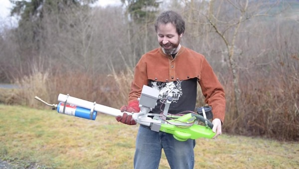 Homemade Flamethrower that Uses Cornstarch as Fuel 2