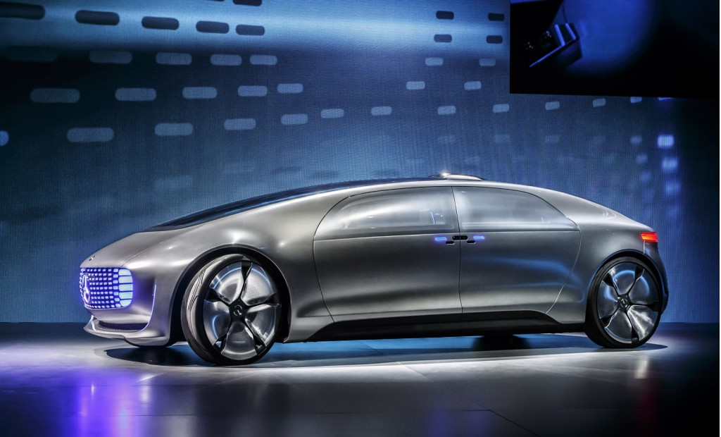 Mercedes benz unveils the fully autonomous f 015 that can for Mercedes benz f 015