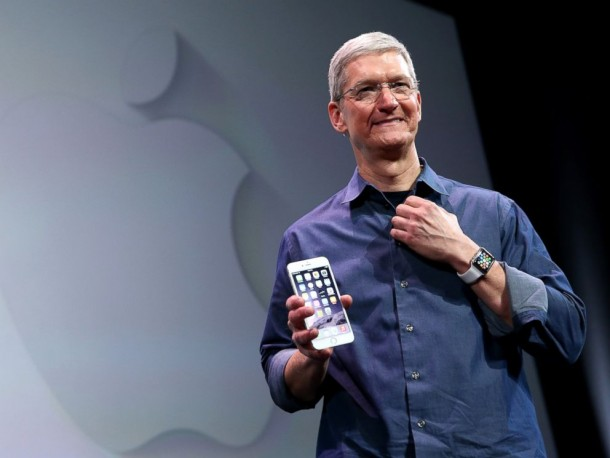Tim Cook Talks about Apple iwatch2