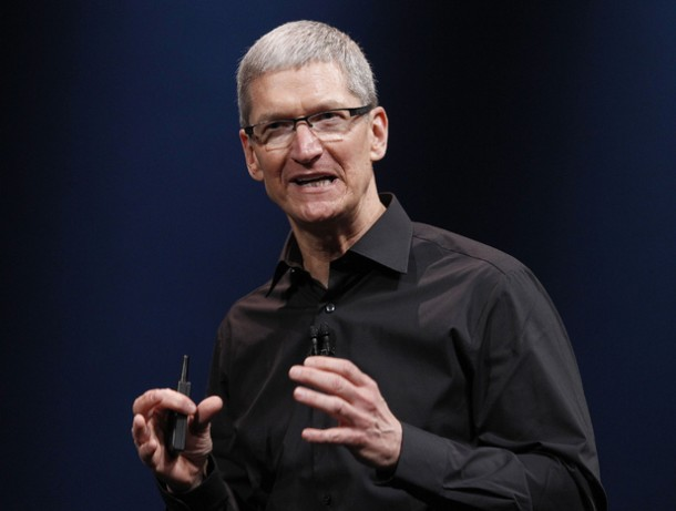 Tim Cook Talks about Apple iwatch3