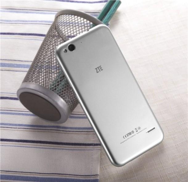 ZTE Blade S6 – Improved Phone3