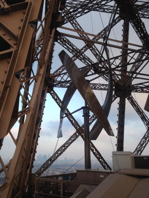 Eiffel Tower gets Wind Turbines3