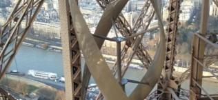 Eiffel Tower gets Wind Turbines4