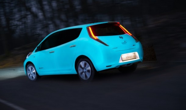 Nissan Glow-in-the-dark Electric Leaf is Amazing3