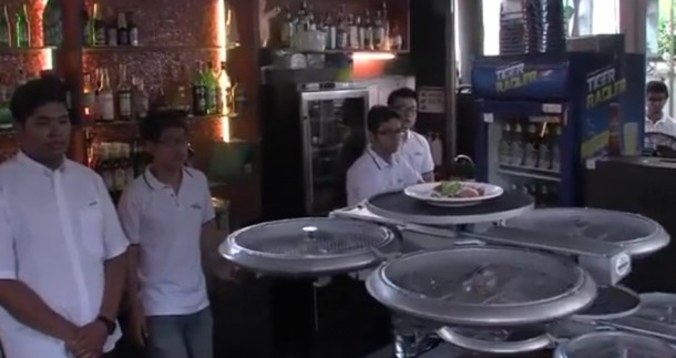 Singapore Restaurant to Use Drone Waiters4