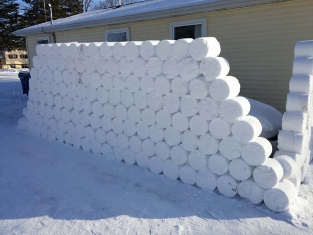 Snow Prank – Constructing an Igloo12