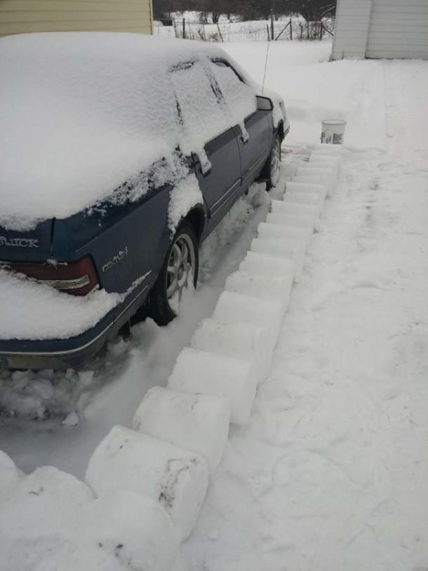 Snow Prank – Constructing an Igloo6