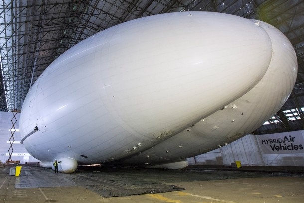 The Flying Bum - Giant Airship in UK5