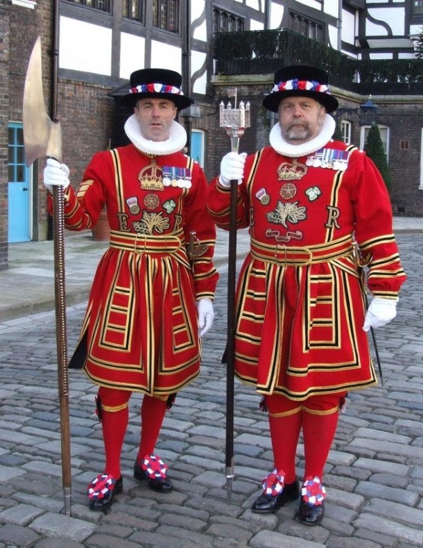 Awkward and Silly Military Uniform Dresses3