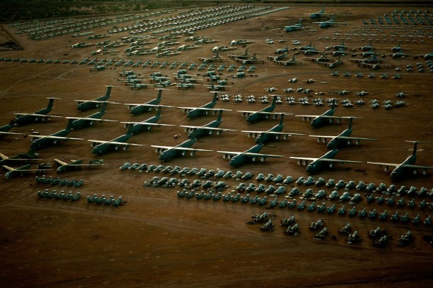 Boneyard of airplanes1