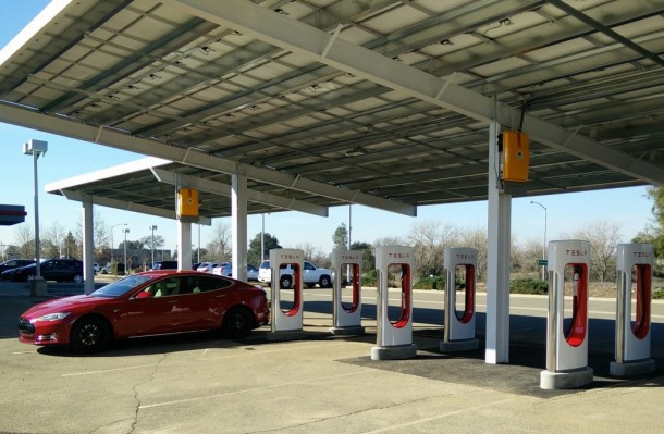 Tesla's First Solar Powered Supercharging Site 2