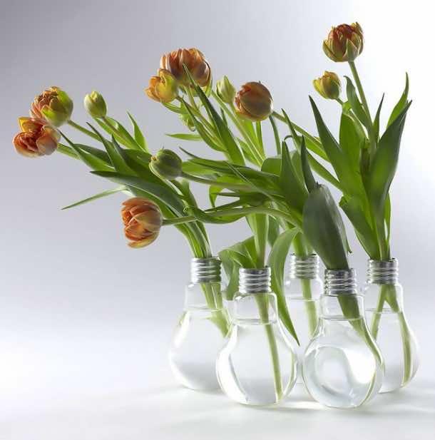 Fancy Uses of Old Lightbulbs 6