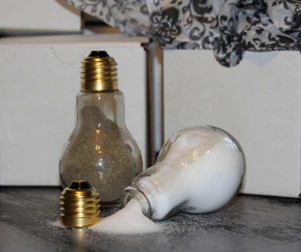 Fancy Uses of Old Lightbulbs 7